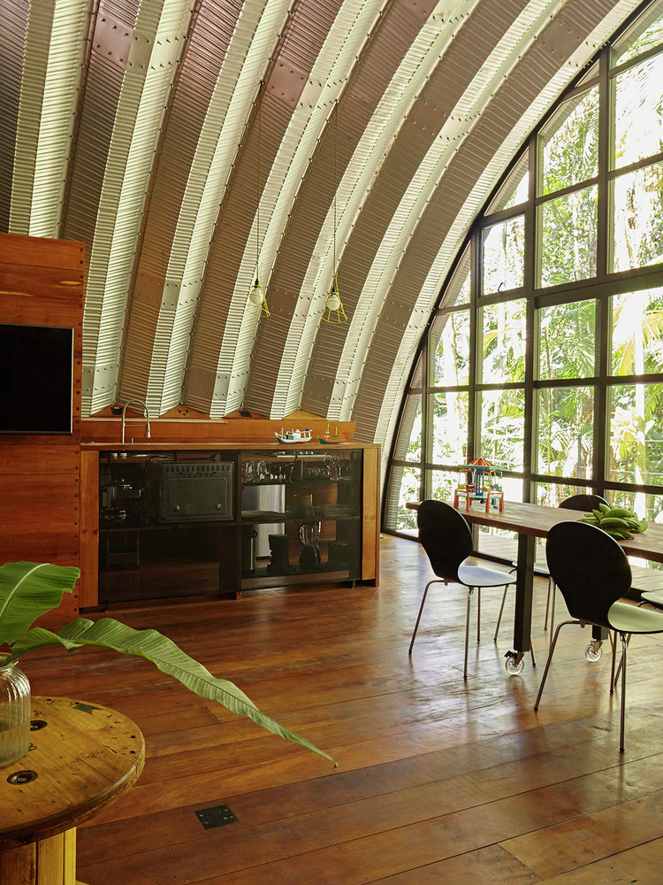 ARCA House is Like a Ship in the Middle of the Brazilian Atlantic Forest 4