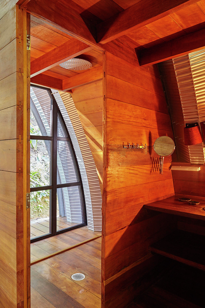 ARCA House is Like a Ship in the Middle of the Brazilian Atlantic Forest 8