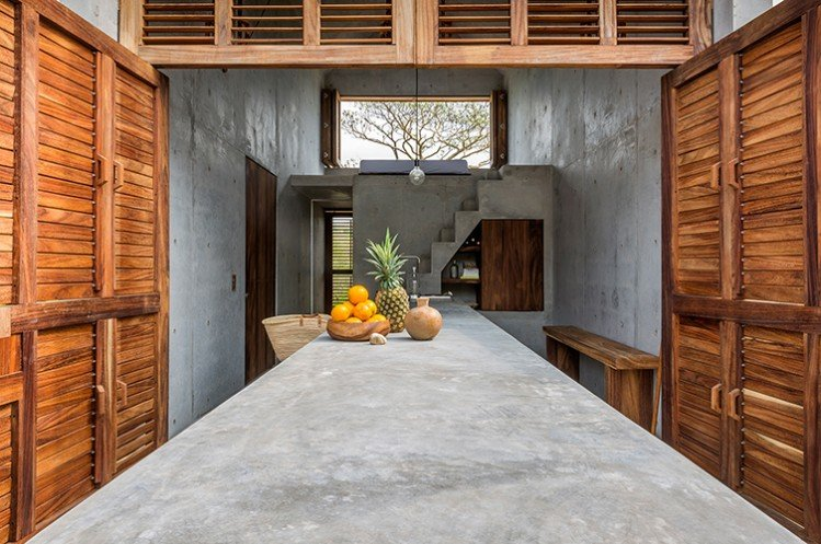 Beautiful Concrete House with a Minimalist Architecture (11)