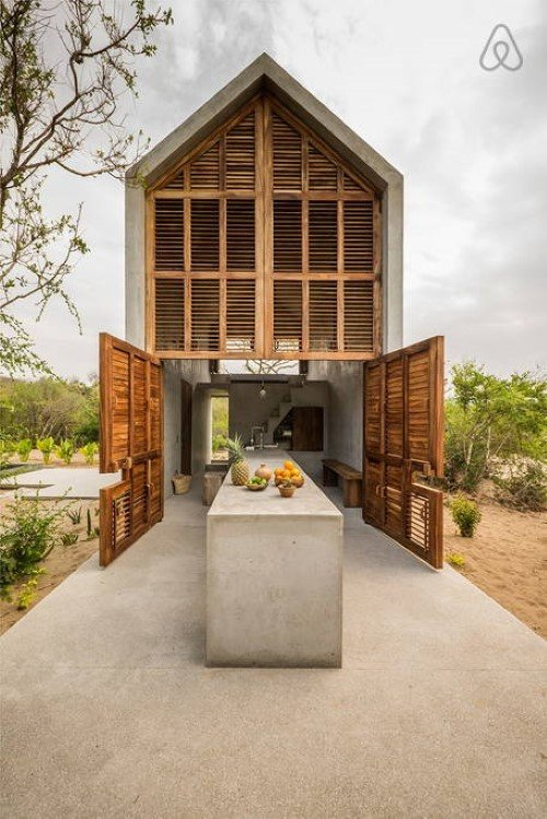 Beautiful Tiny Concrete House with a Minimalist Architecture (3)