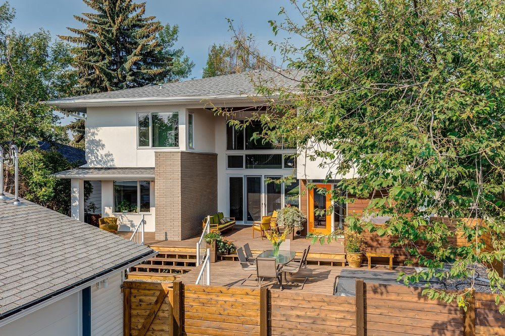 Beautiful 2-Storey Home for a Family of Five, Calgary (12)