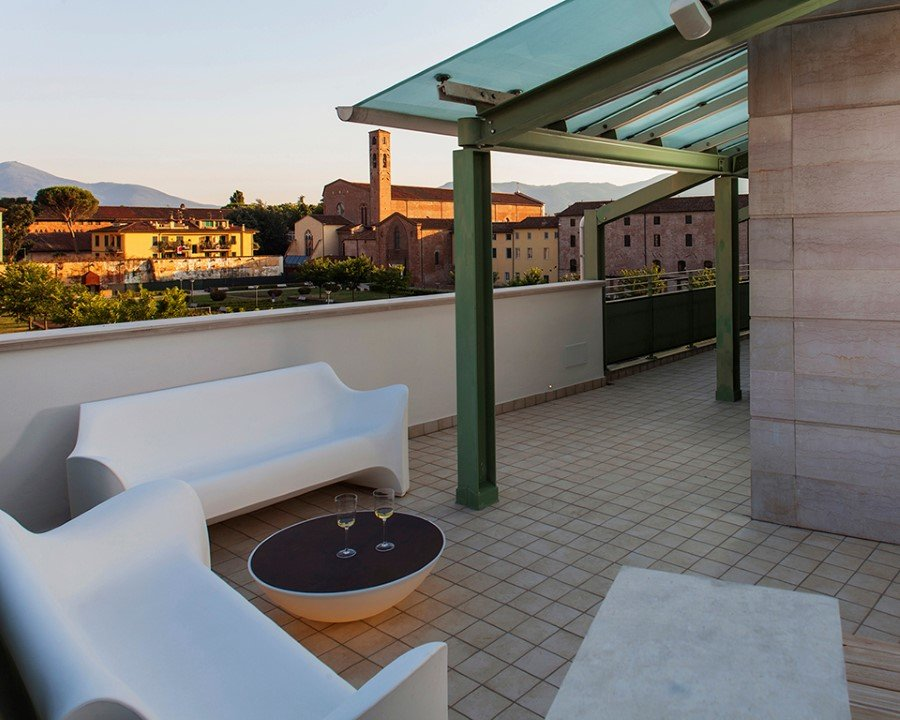 Canticle Luxury Residence in the Historical City Center of Lucca, Italy (14)