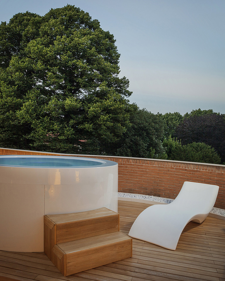 Canticle Luxury Residence in the Historical City Center of Lucca, Italy (15)