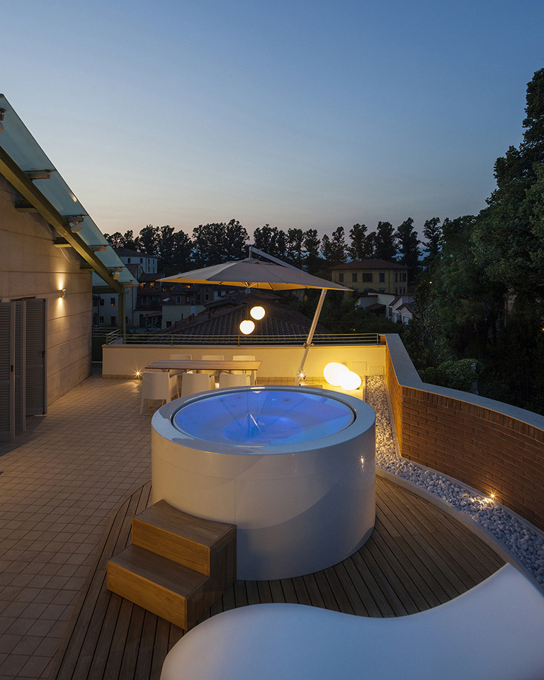 Canticle Luxury Residence in the Historical City Center of Lucca, Italy (16)