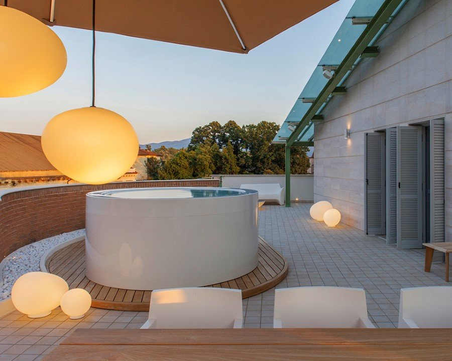 Canticle Luxury Residence in the Historical City Center of Lucca, Italy (17)