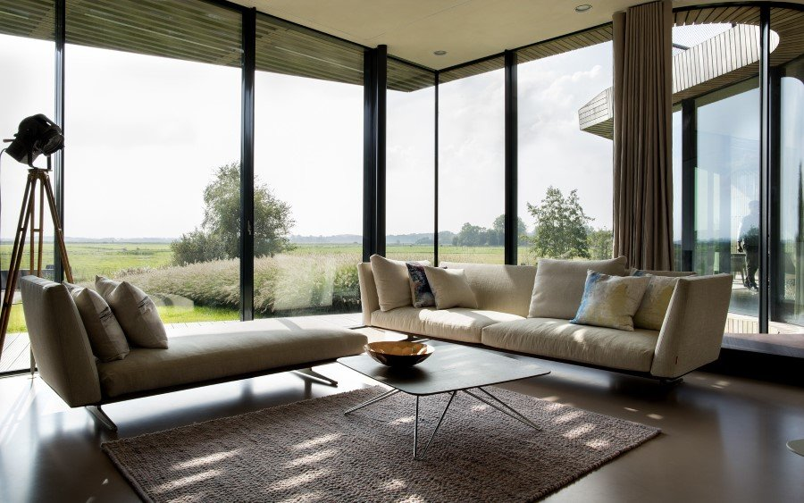 Contemporary Smart Home with Integrated Sustainable Solutions (11)