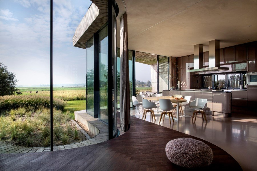Contemporary Smart Home with Integrated Sustainable Solutions (2)