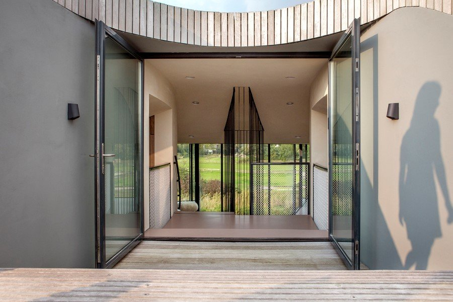 Contemporary Smart Home with Integrated Sustainable Solutions (7)