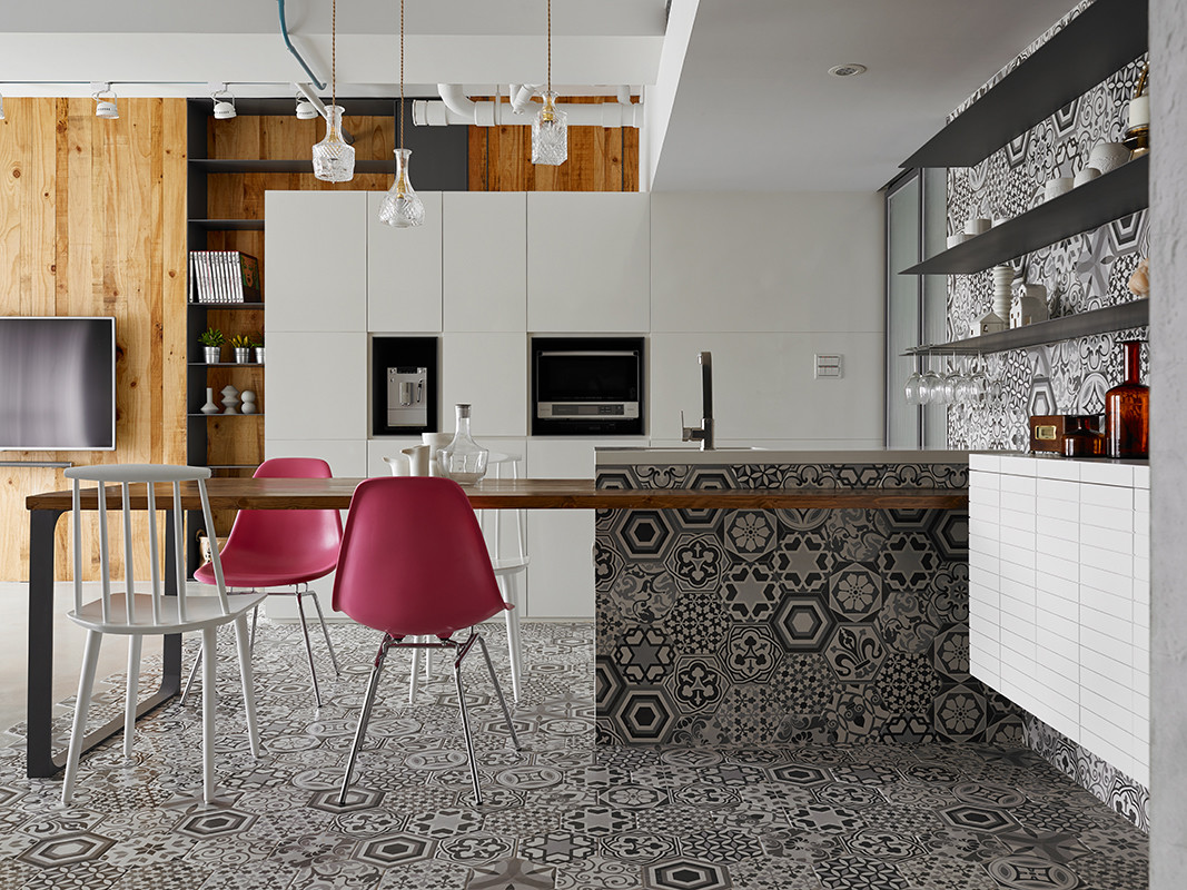 Eclectic Interiors Personalized with Different Textures (1)