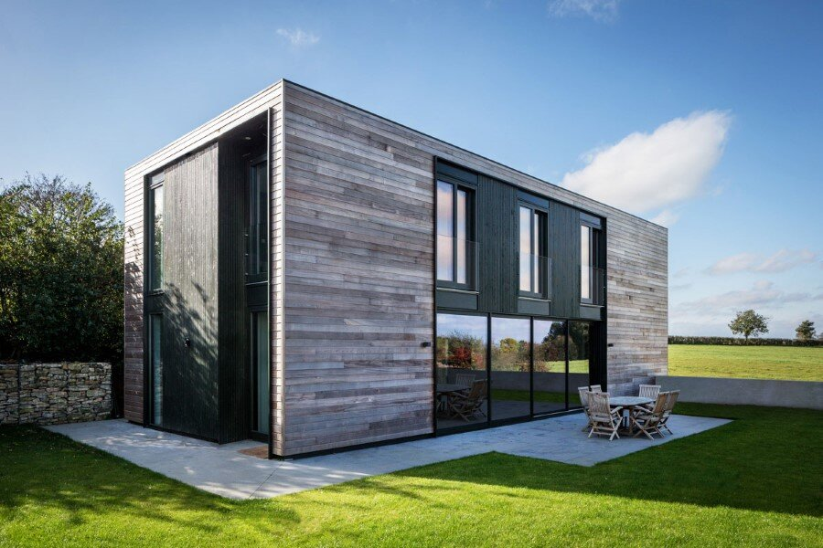 Flat-Packed Panels Home in the Countryside Near Oxford, England 1
