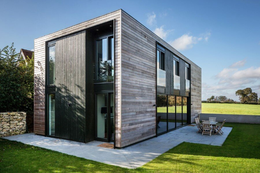 Flat-Packed Panels Home in the Countryside Near Oxford, England 2
