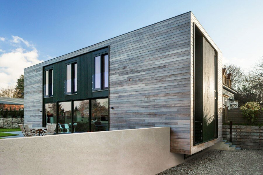 Flat-Packed Panels Home in the Countryside Near Oxford, England 3