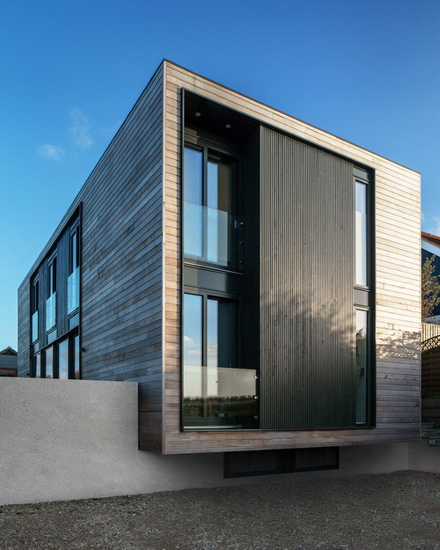 Flat-Packed Panels Home in the Countryside Near Oxford, England 4