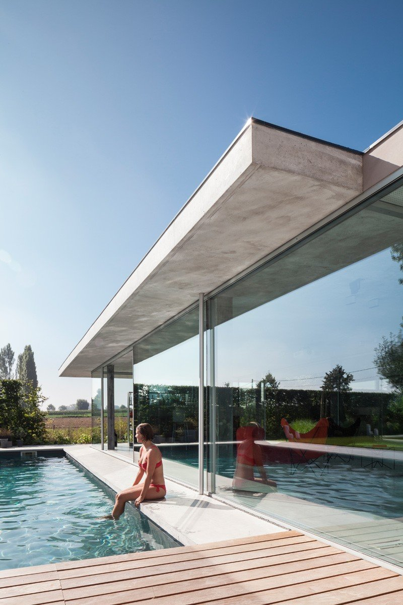 Glass And Concrete Pool House In Belgium (2)