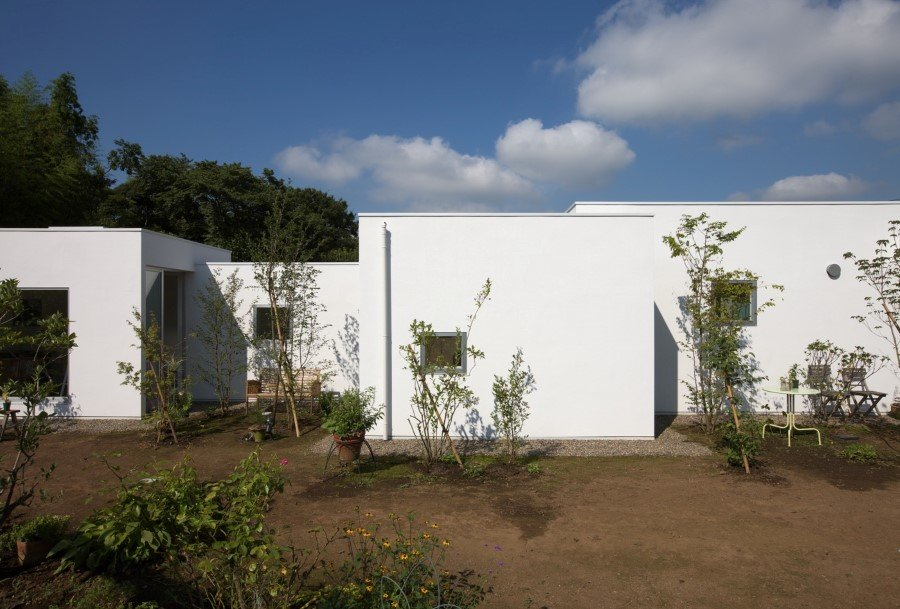 House in the Garden by Yamazaki Kentaro (2)