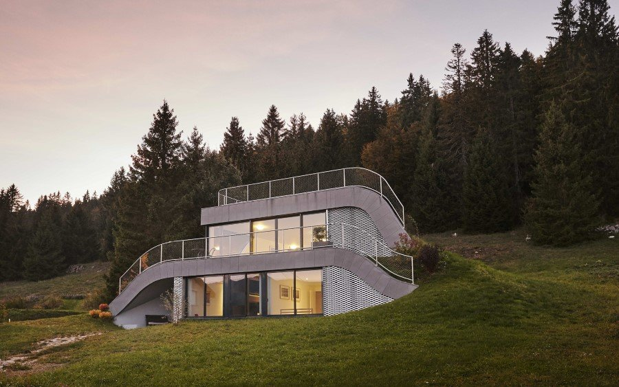 Jura House Blends into the Surrounding Hill  (1)