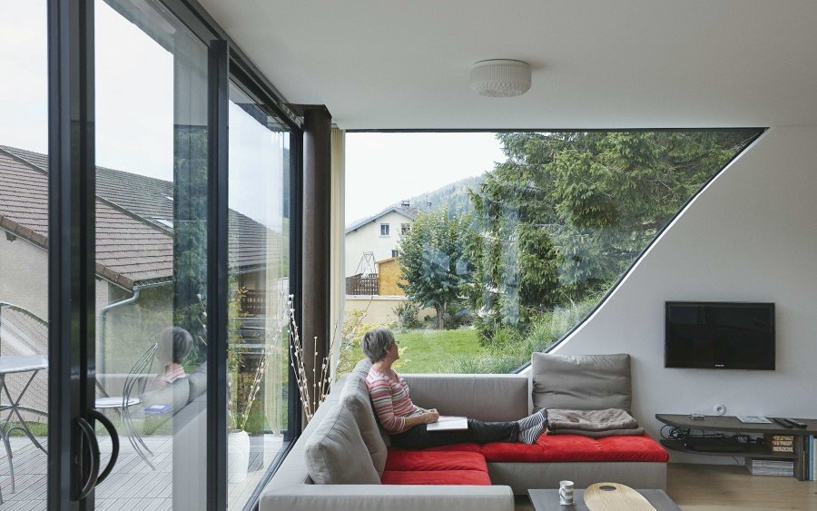 Jura House Blends into the Surrounding Hill  (13)