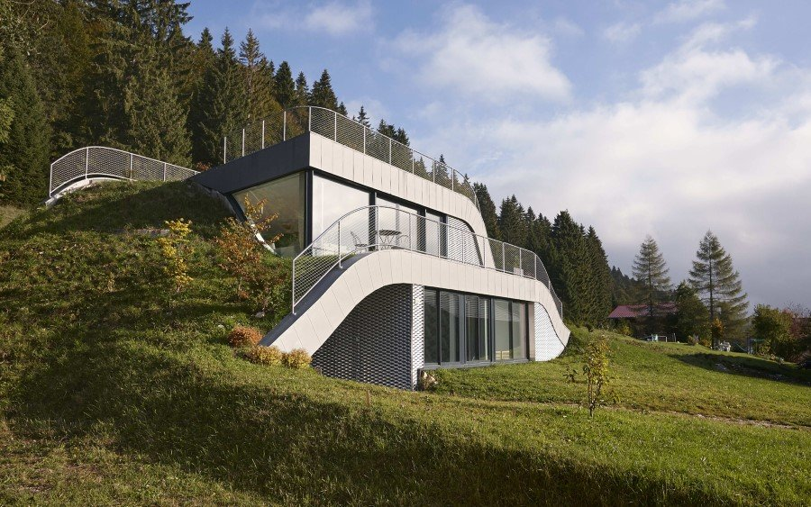 Jura House Blends into the Surrounding Hill  (7)