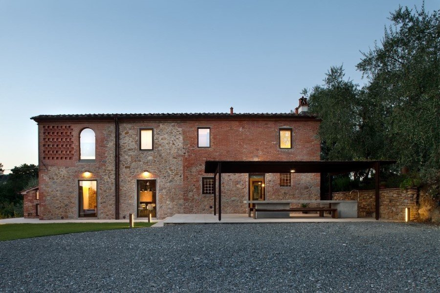 Old country house renovated by Mide Architects (1)