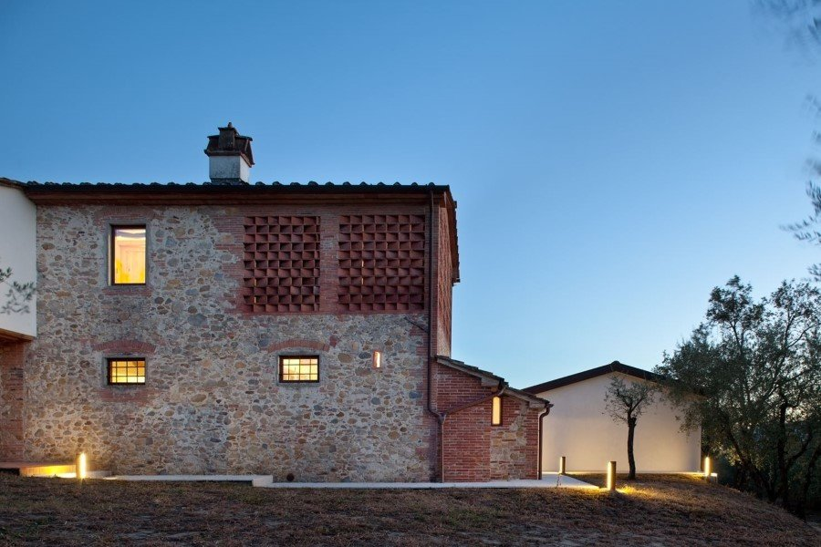 Old country house renovated by Mide Architects (10)