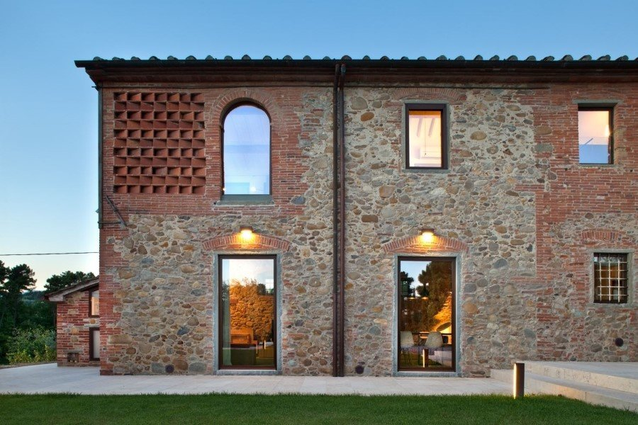 Old country house renovated by Mide Architects (14)