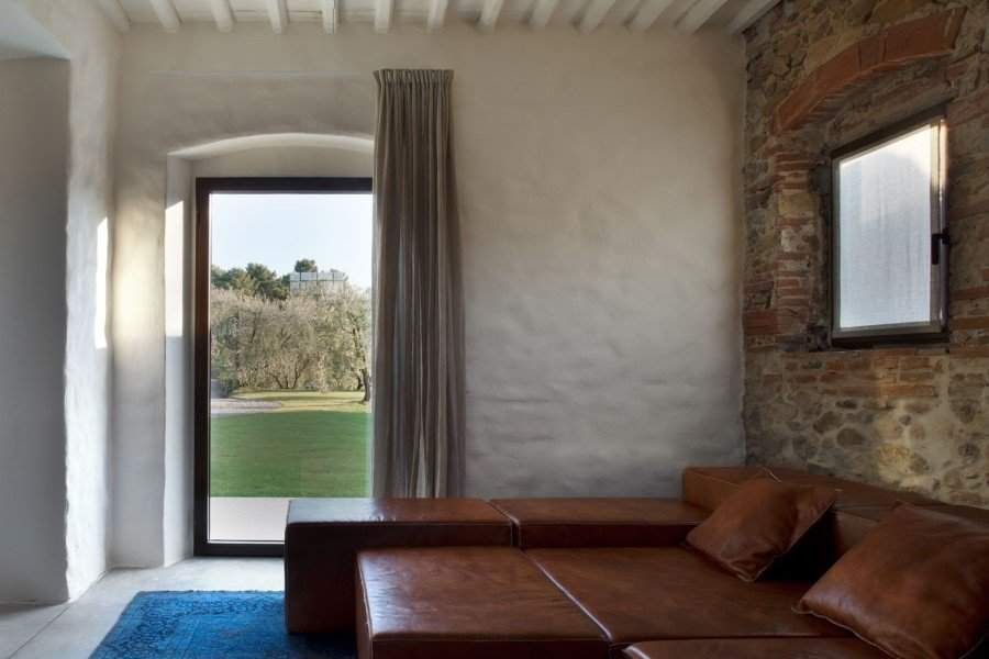 Old country house renovated by Mide Architects (18)