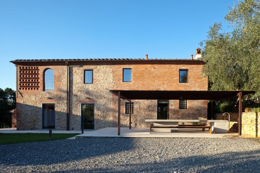 Old country house renovated by Mide Architects (22)