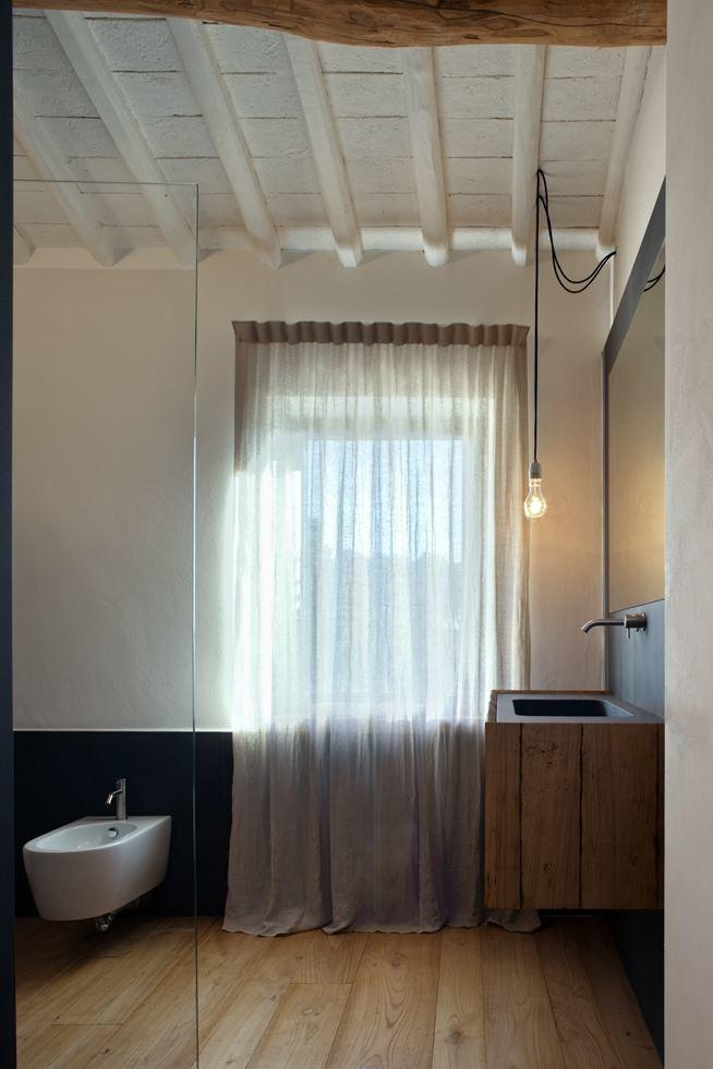 Old country house renovated by Mide Architects (3)