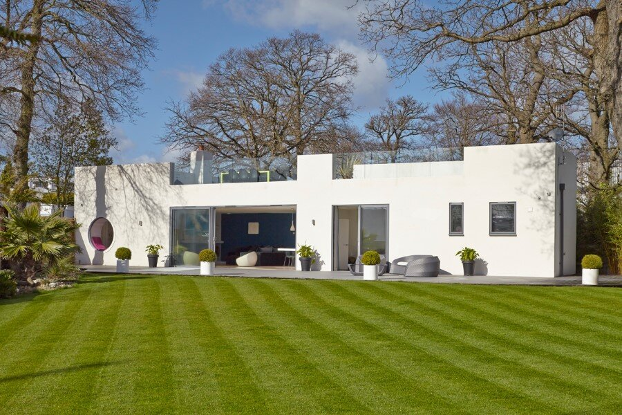Remodeled 1930s Bauhaus Bungalow in a Stylish Contemporary Home (1)