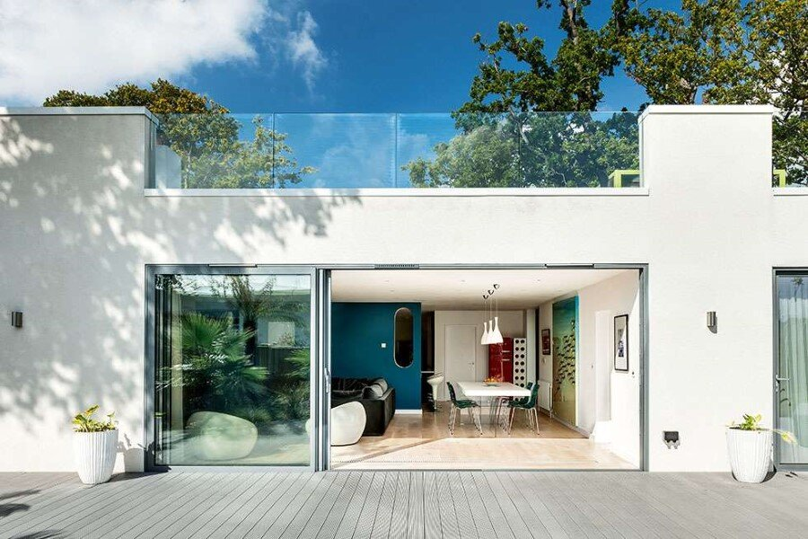 Remodeled 1930s Bauhaus Bungalow in a Stylish Contemporary Home (17)