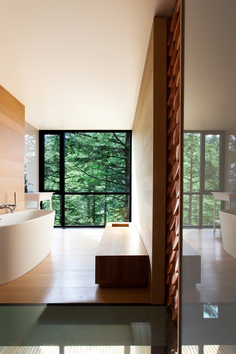 Sculptural House - Collaboration Between an Architect and a Sculptor in Bolton-Est, Québec (10)
