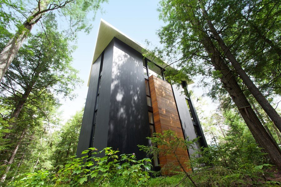 Sculptural House - Collaboration Between an Architect and a Sculptor in Bolton-Est, Québec (14)