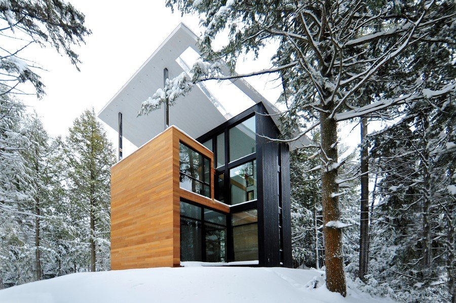 Sculptural House - Collaboration Between an Architect and a Sculptor in Bolton-Est, Québec (16)