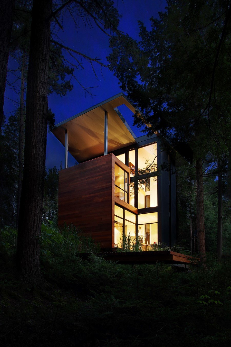 Sculptural House - Collaboration Between an Architect and a Sculptor in Bolton-Est, Québec (17)