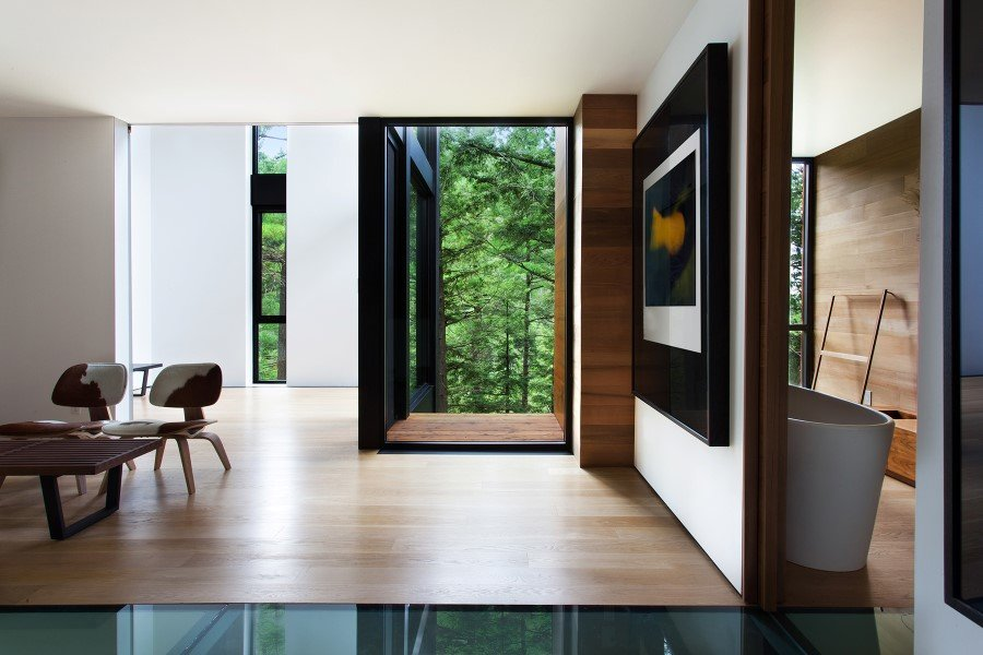 Sculptural House - Collaboration Between an Architect and a Sculptor in Bolton-Est, Québec (9)