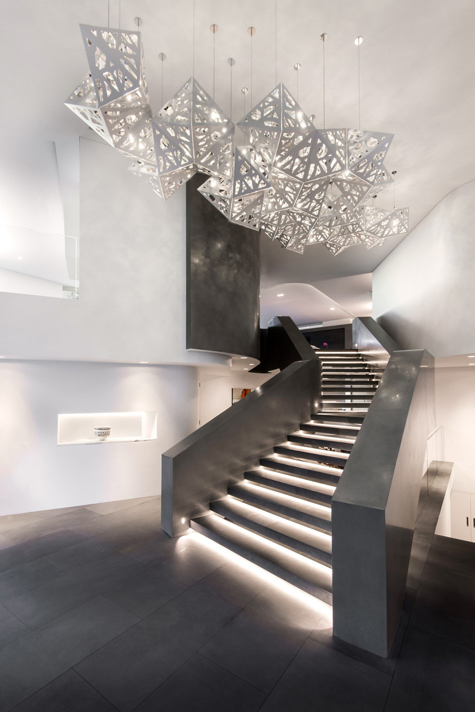 Summer Residence with a Dramatic Multi-Level Form (6)