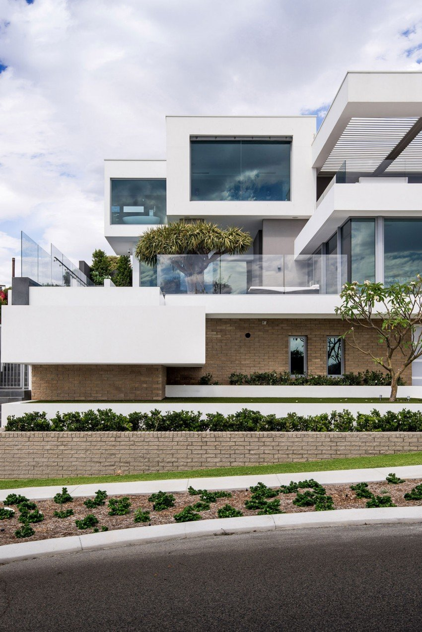 Summer Residence with a Dramatic Multi-Level Form (9)