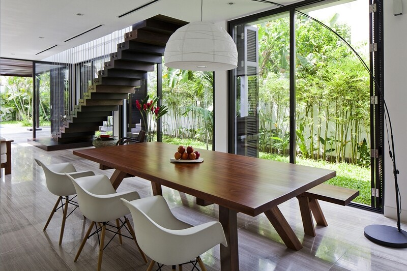 Thao Dien House delights us with a beautiful vertical garden walls (16)