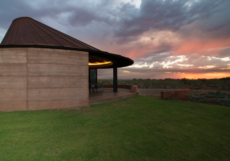 Twelve Earth Covered Residences by Luigi Rosselli Architects (3)