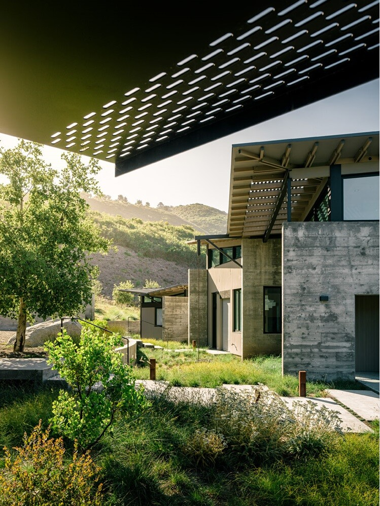 Butterfly Retreat with an Inspired and Modern Aesthetics (12)
