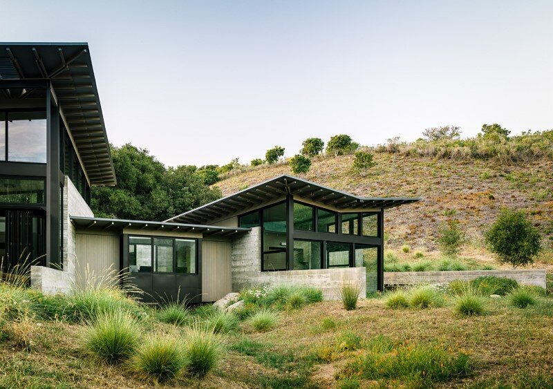 Butterfly Retreat with an Inspired and Modern Aesthetics (17)