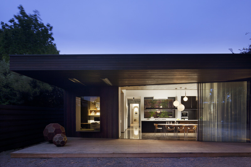 Contemporary Addition and Restoration to a Historic House (1)