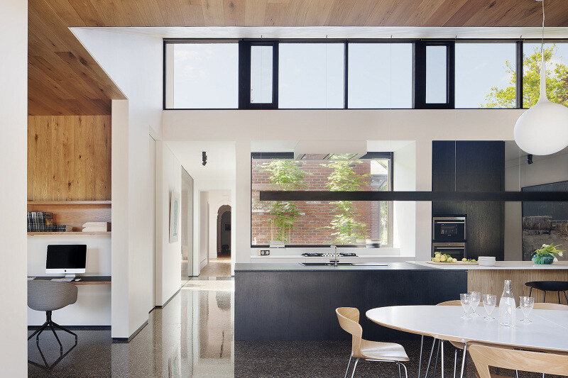Contemporary Addition and Restoration to a Historic House (10)