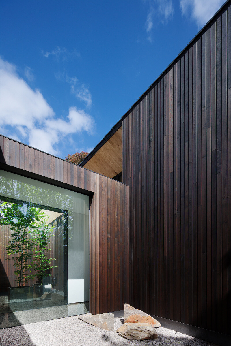 Contemporary Addition and Restoration to a Historic House (15)