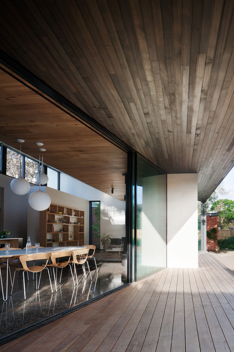 Contemporary Addition and Restoration to a Historic House (16)