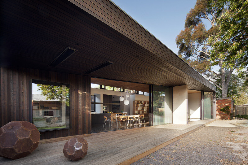 Contemporary Addition and Restoration to a Historic House (2)