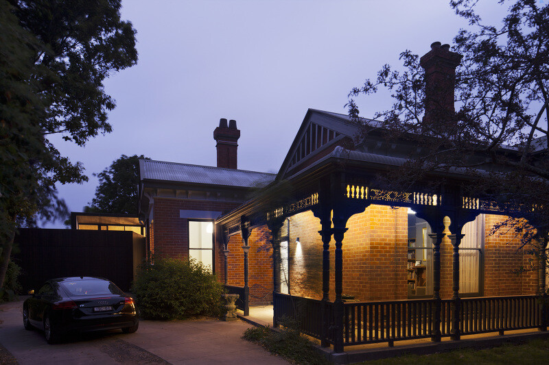 Contemporary Addition and Restoration to a Historic House (3)