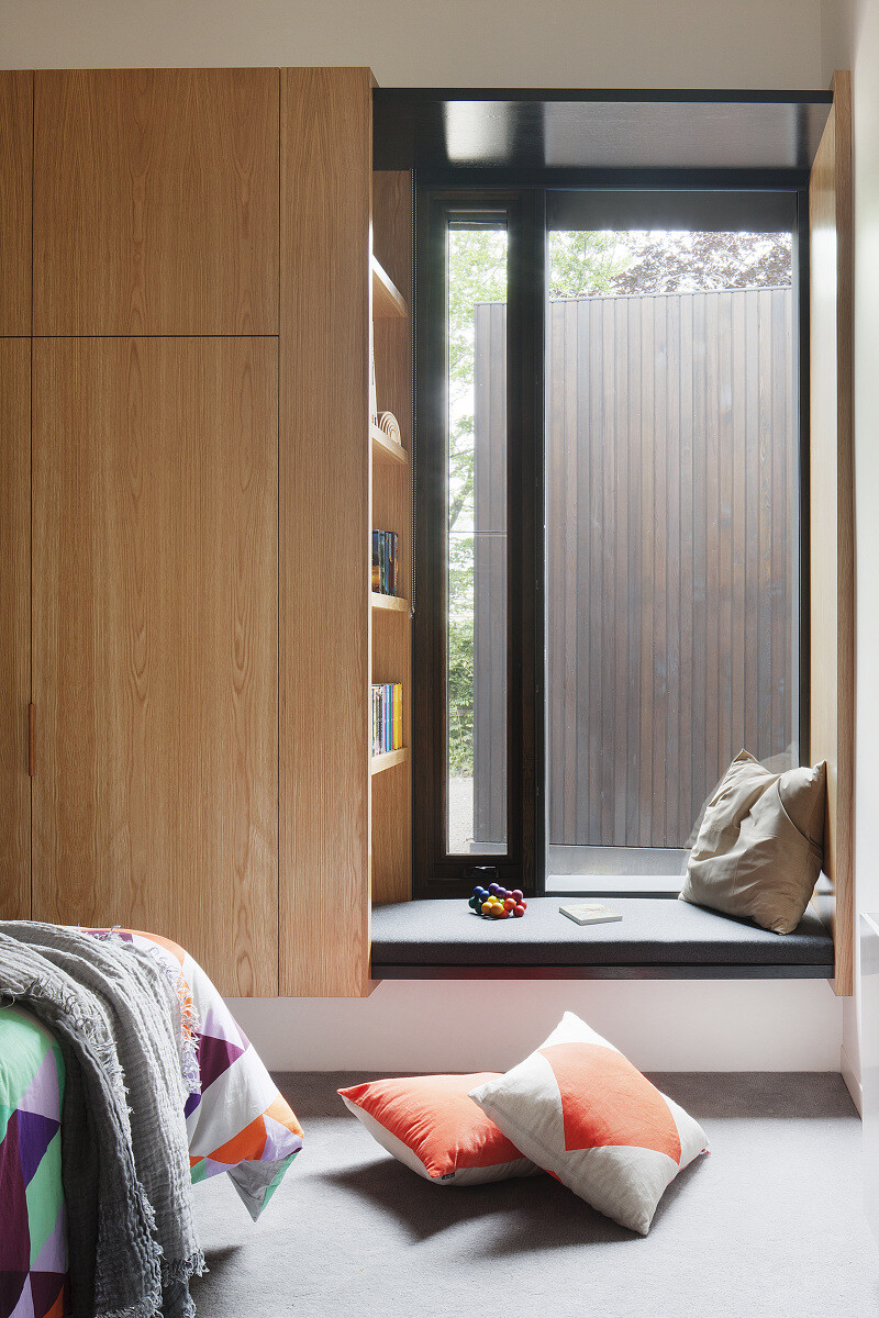 Contemporary Addition and Restoration to a Historic House (7)