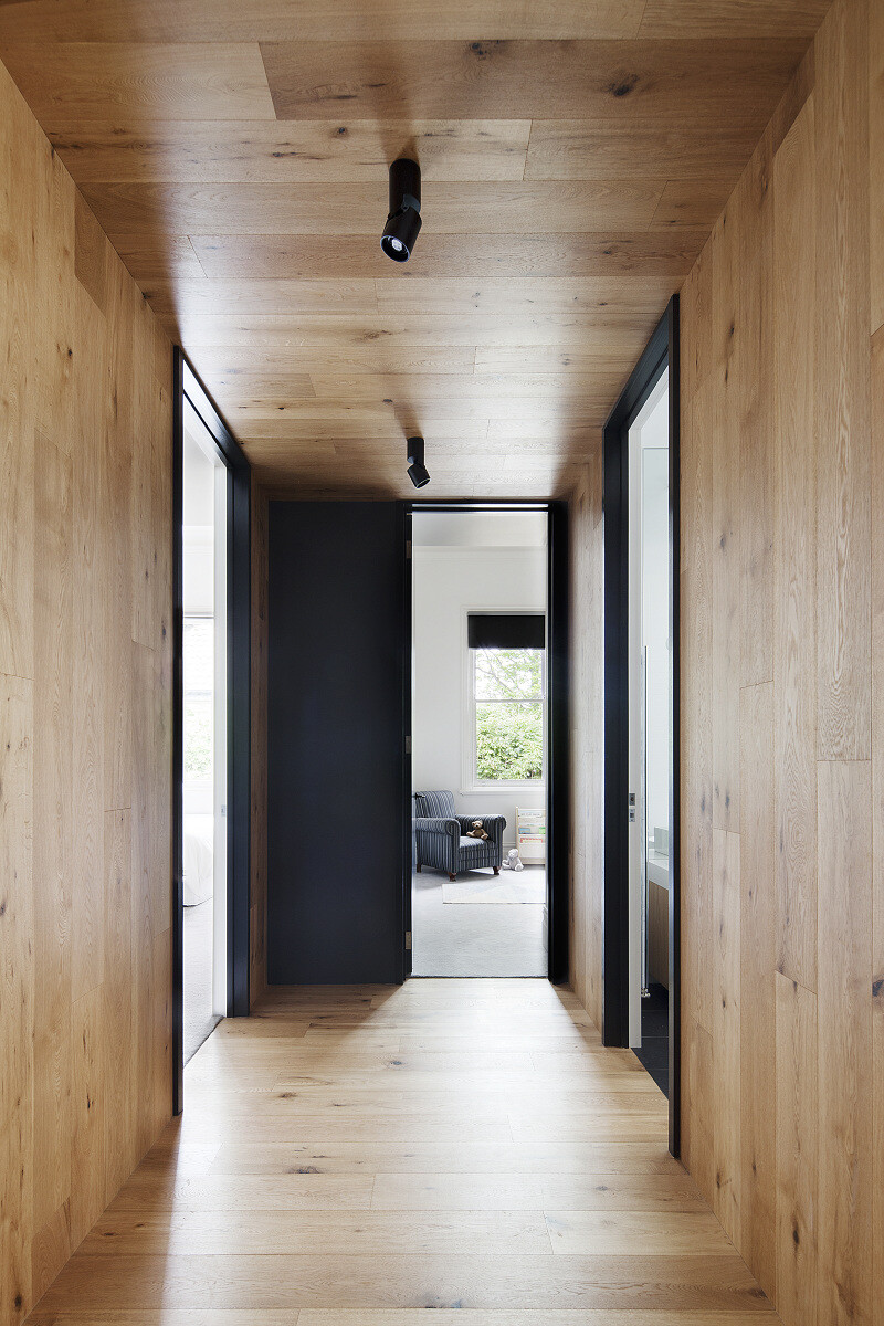 Contemporary Addition and Restoration to a Historic House (8)