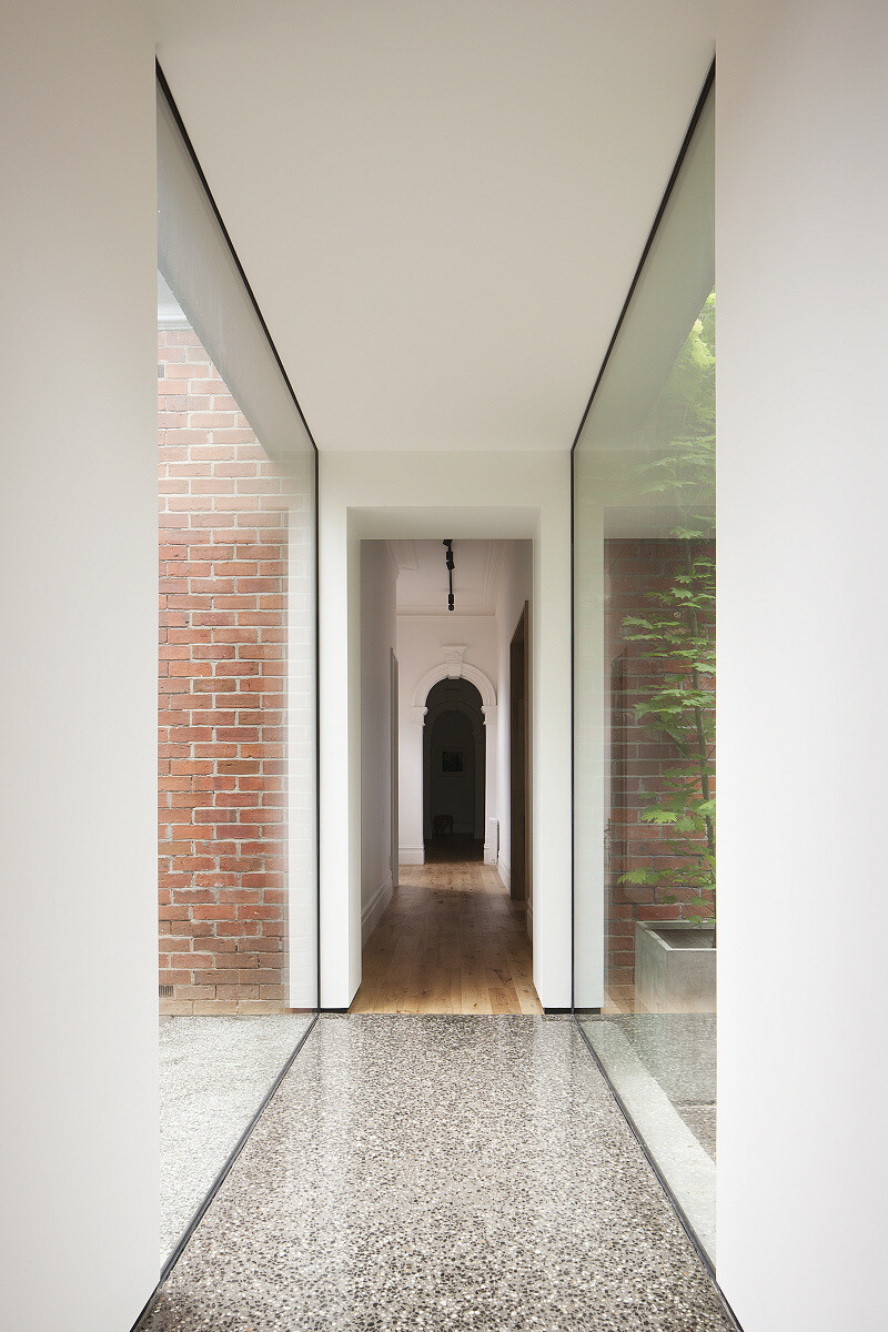 Contemporary Addition and Restoration to a Historic House (9)